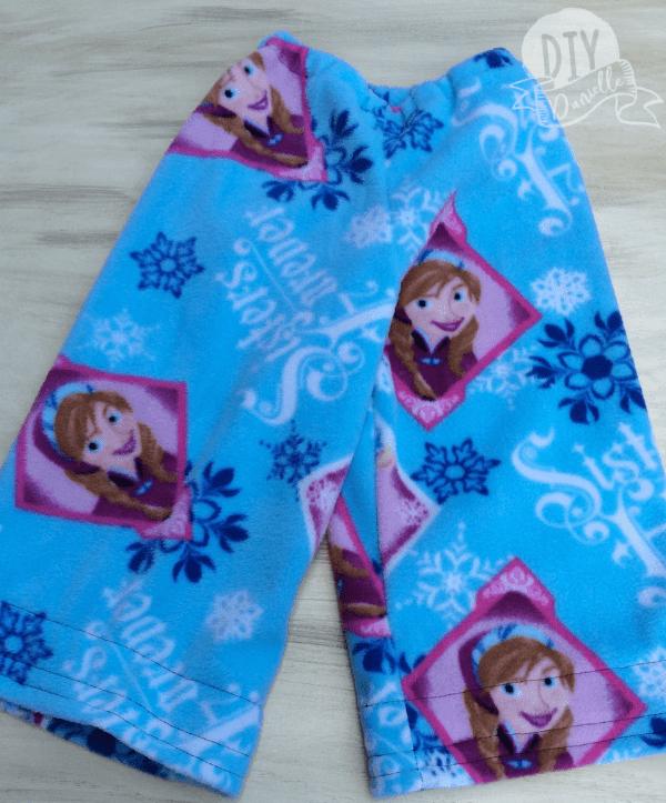 Fleece Frozen PJ pants to match the pocket pillow made as a gift for a friend's daughter.