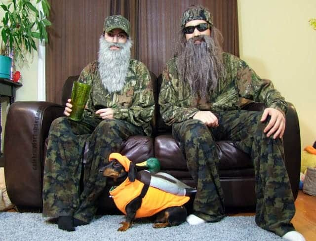 Duck Dynasty costumes with dog.
