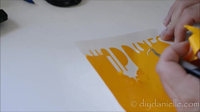 Weeding 631 vinyl for a wall decal.