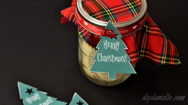 DIY Soy Candles, Scented. Soy candle making is easy and these make great holiday gifts!