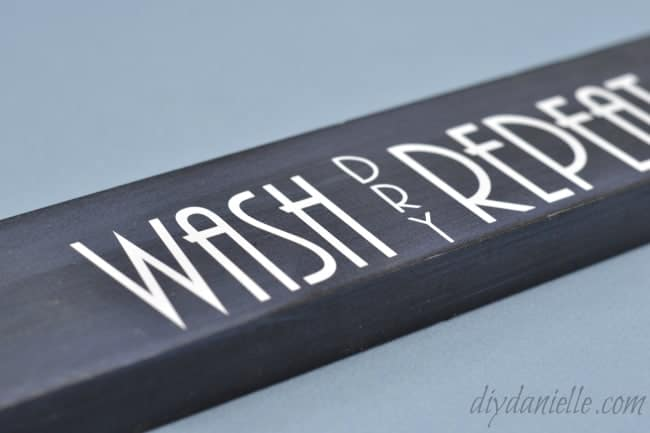 free silhouette design wash cloth hanger