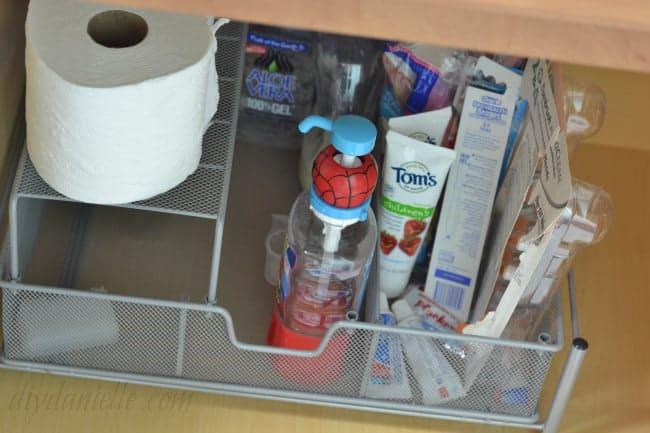 Kid Safe Bathroom Cleaner Inspiring Childrens Room And Study Table - Safe bathroom cleaner