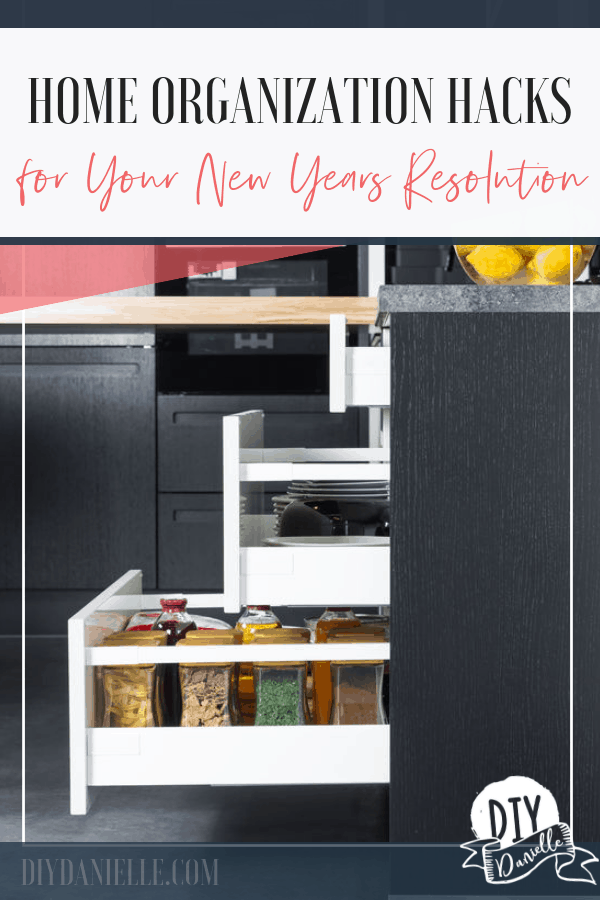 Tired of clutter? Get these home organization hacks and get started on your 2019 New Years resolution!