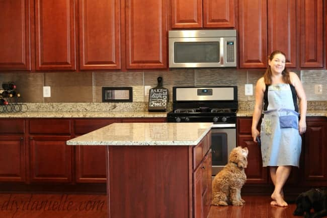 backsplash cherrycabinets granite