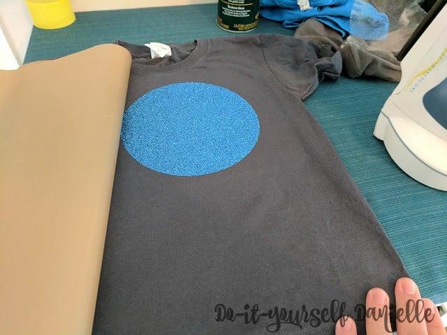 Blue circle of glitter heat transfer vinyl