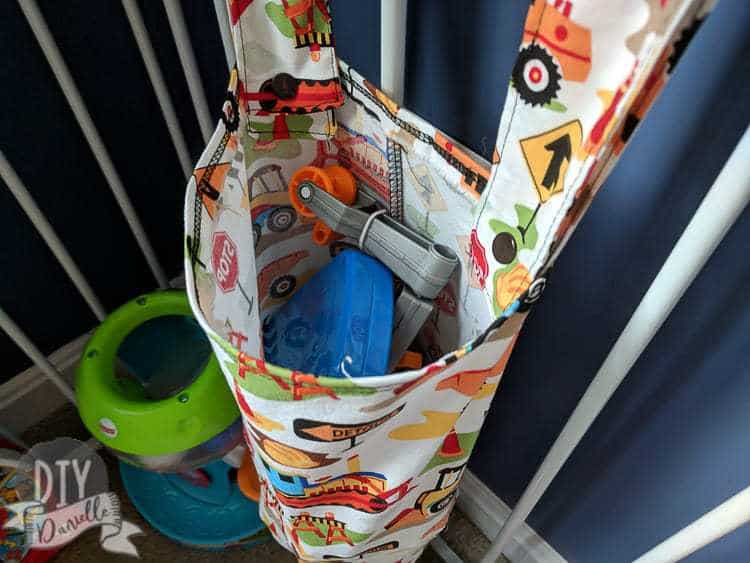 Hanging toy holder for the playpen. This was an easy sew organization idea!