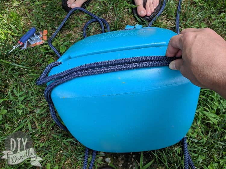 Bottom of the Little Tikes swing and how the rope will attach.