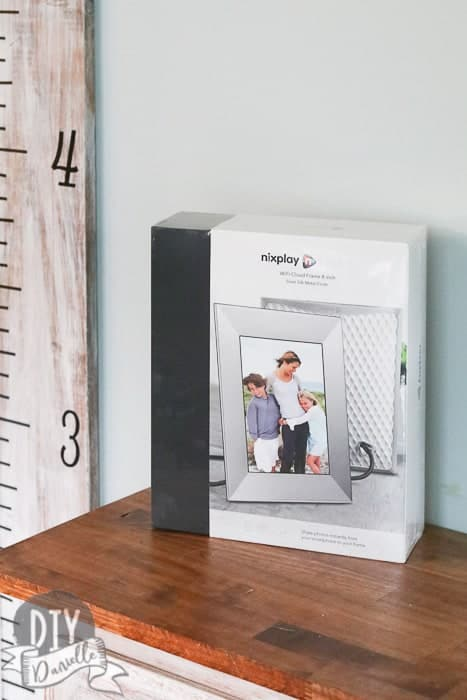 The nixplay digital photo frame is the best digital photo frame. It's easy to setup and use. It makes it easy to send the grandparents new photos every day!
