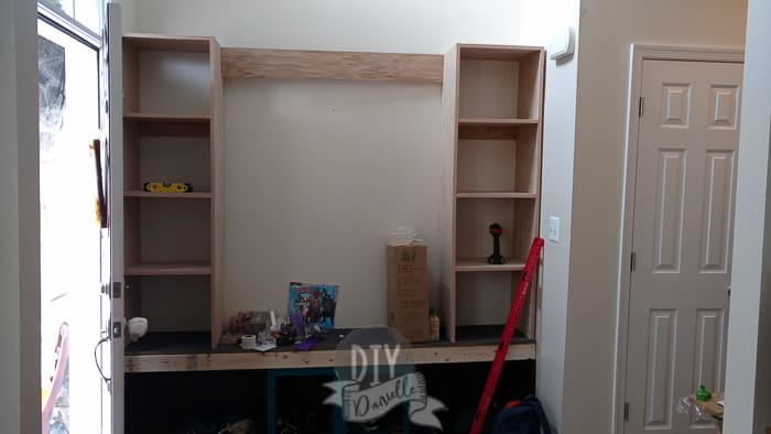 Shelves in place on top of the bench.